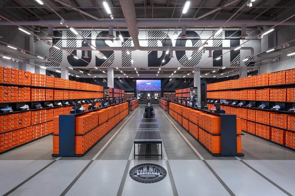 Fiesta cocinar una comida Juicio  Nike Factory Store - La Roca Barcelona